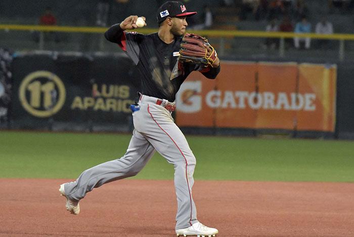 Jecksson Flores se siente privilegiado por jugar el campocorto de Cardenales